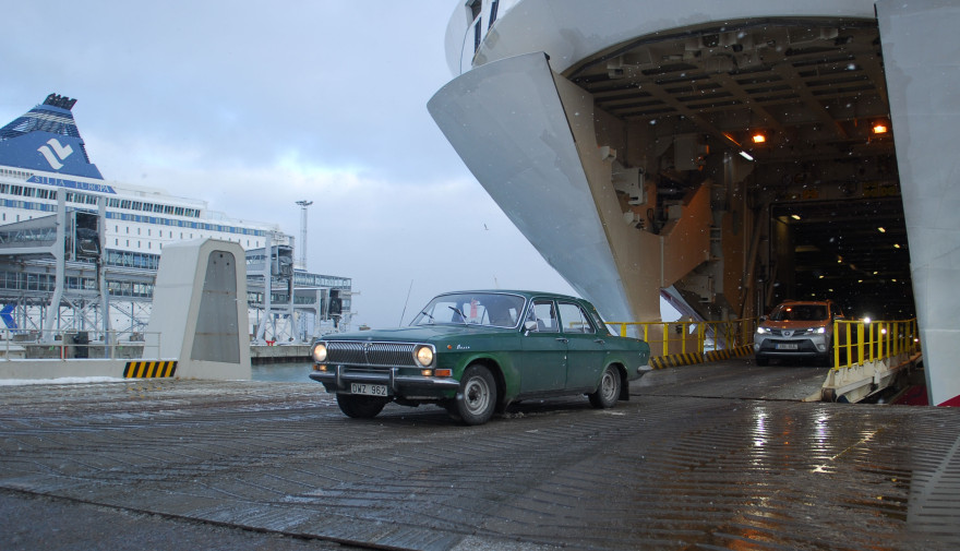 GAZ 24 Volga rolling off the ferry in Tallinn. Photo: Petter Lyden