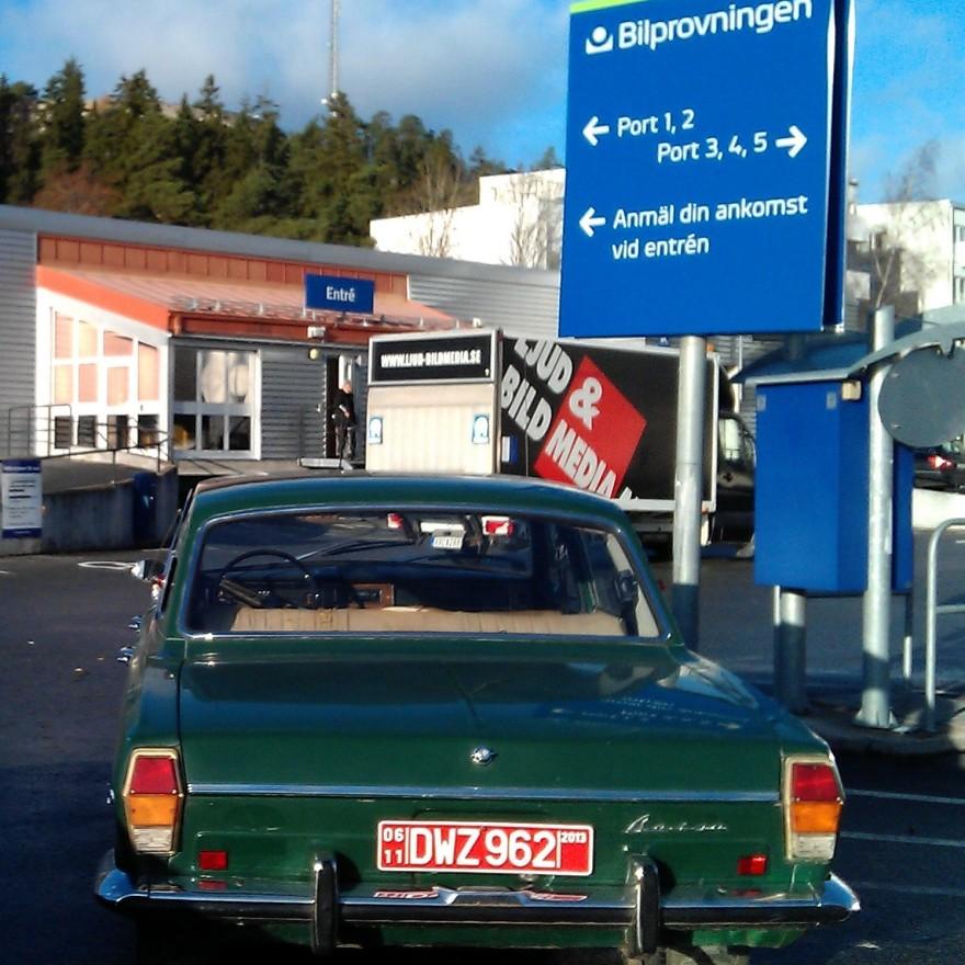 Registreringsbesiktning på Bilprovningen i Sollentuna efter importen.